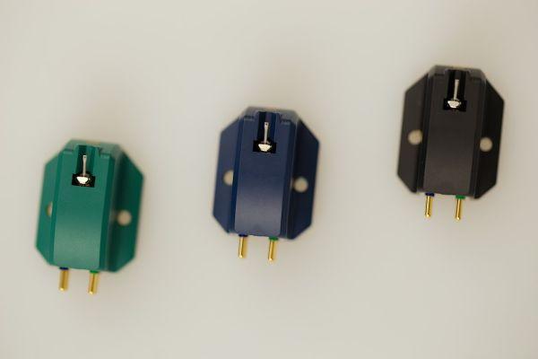 excalibur-green-blue-black-2.jpg?nc=1496